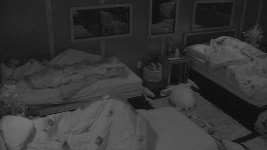 Finalistas do BBB18 seguem dormindo