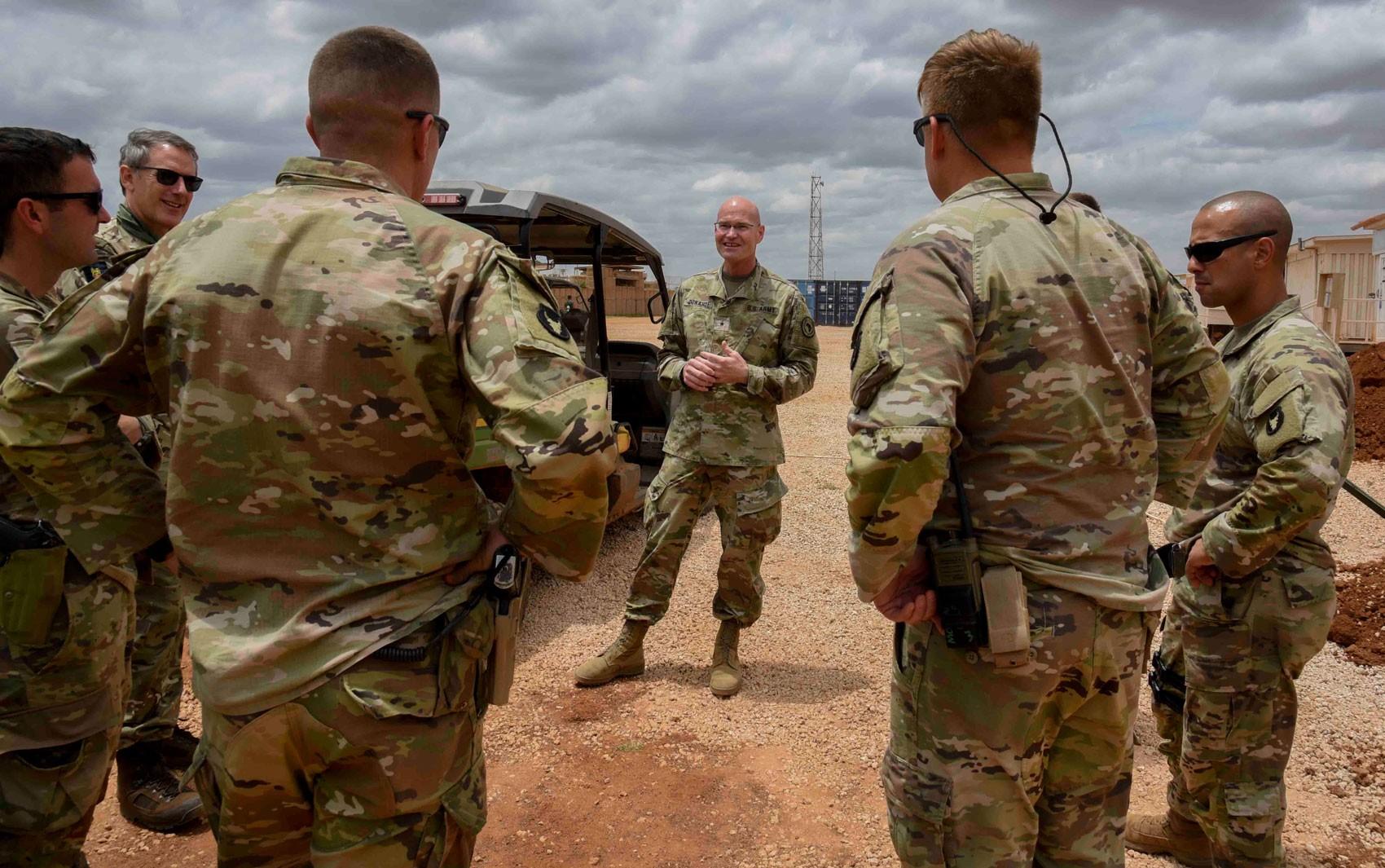 Trump ordena retirada da 'maioria' dos soldados americanos na Somália