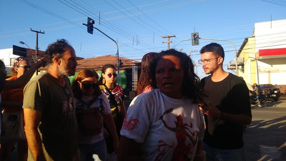 Guarda Municipal e Polícia Militar fizeram intervenção na manifestação — Foto: Rafaela Leal/G1