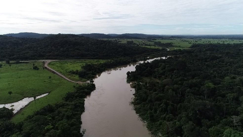 Com a RO-459 bloqueada, percurso dos condutores aumentou 36 quilômetros para chegar até a BR-364.  â?? Foto: Rede Amazônica/Reprodução