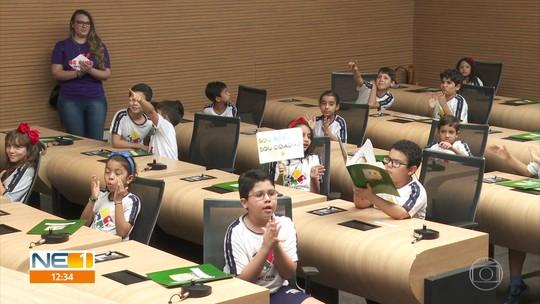 'Vereadores por um dia', crianças sugerem propostas para melhorar o Recife