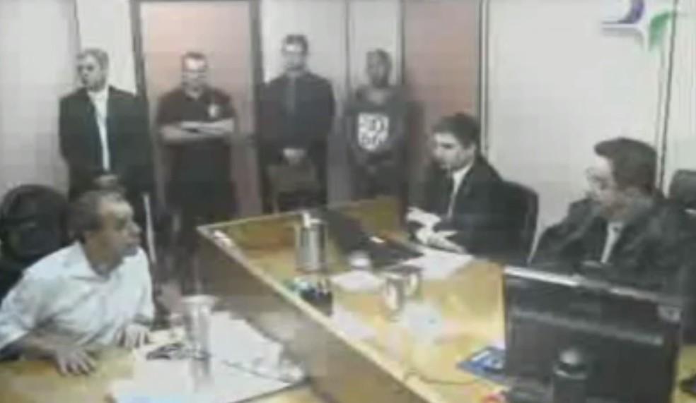 Interrogatório de Sérgio Cabral ao juiz Marcelo Bretas teve falas ásperas (Foto: Reprodução)