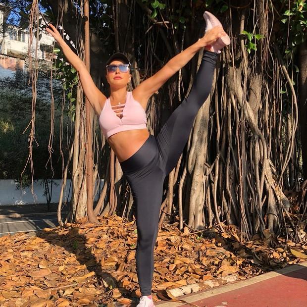 Sabrina Sato dá show de elasticidade (Foto: Instagram/Reprodução)