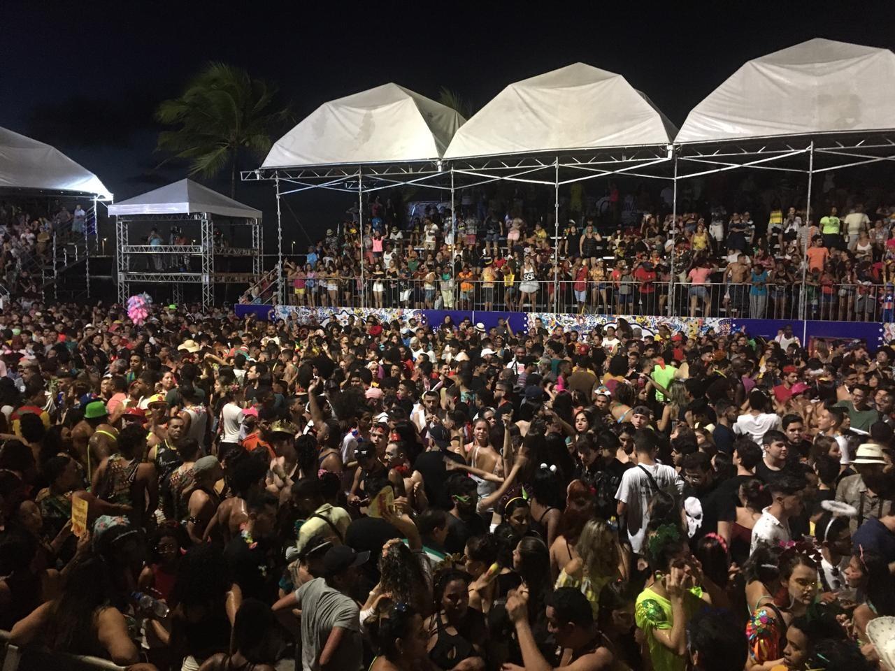 AO VIVO: Veja a folia no Circuito Beira Mar, em São Luís