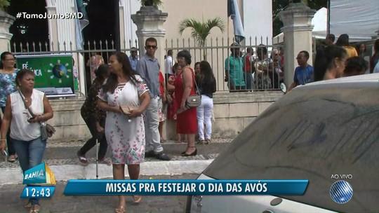 Missa comemora o dia das avós em Feira de Santana