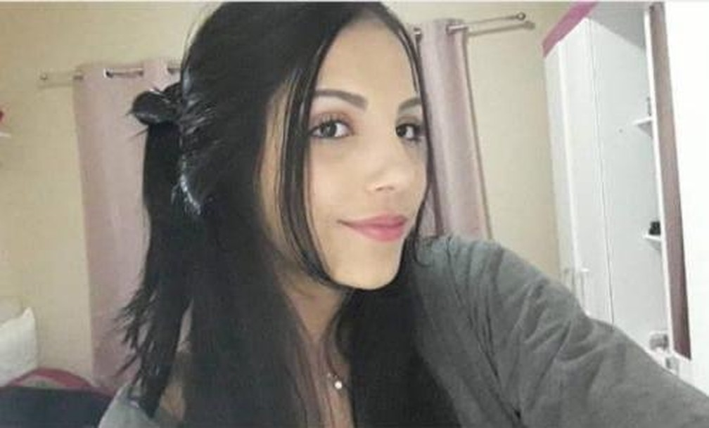 Luíza da Mata, de 17 anos, está internada no Hospital de Câncer de Mato Grosso — Foto: Arquivo pessoal