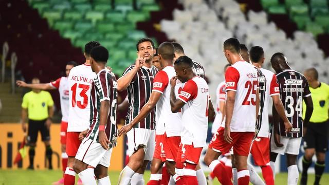 Fred em ação pelo Fluminense contra o Santa Fe