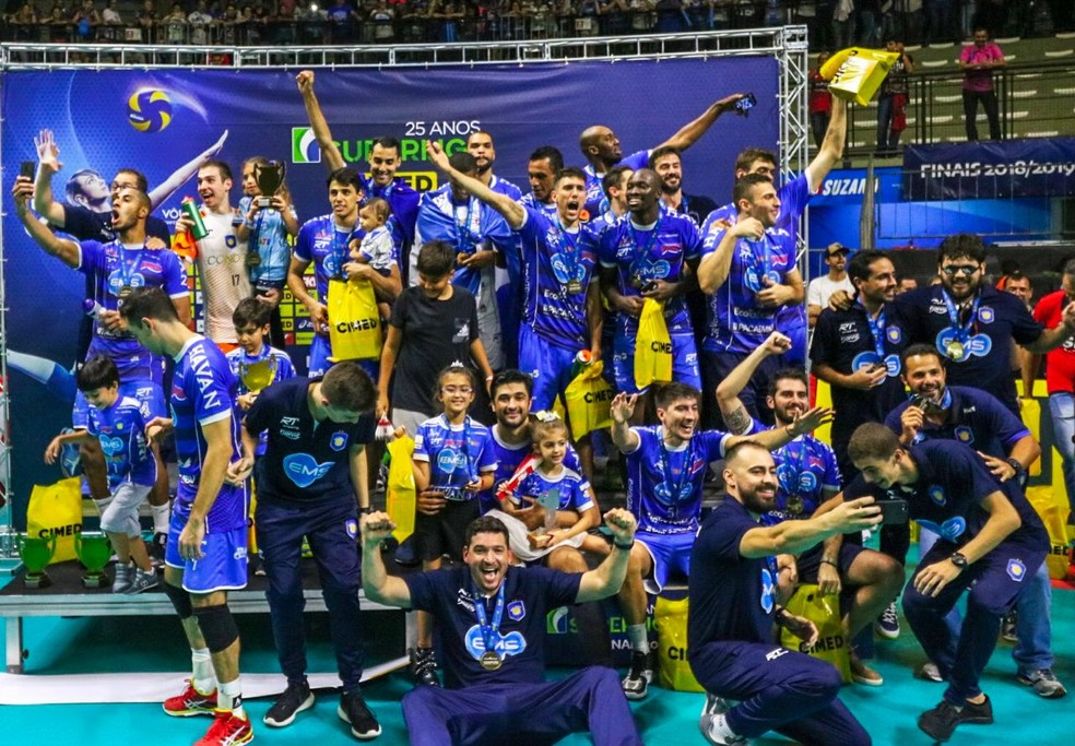 Festa Vôlei Taubaté campeão da Superliga — Foto: Danilo Sardinha/GloboEsporte.com