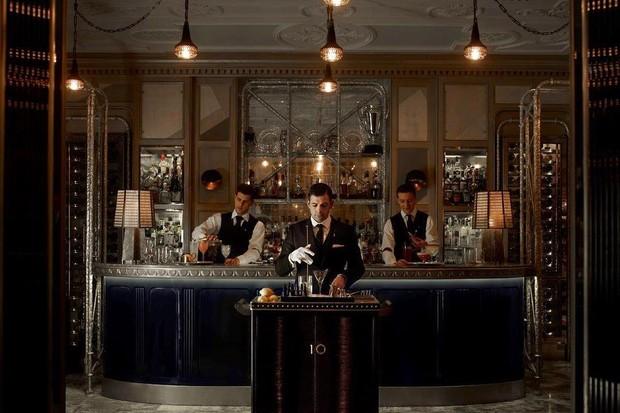 O carrinho bar do Connaught Bar serve um dos melhores martinis do mundo (Foto: reprodução instagram (@theconnaught)