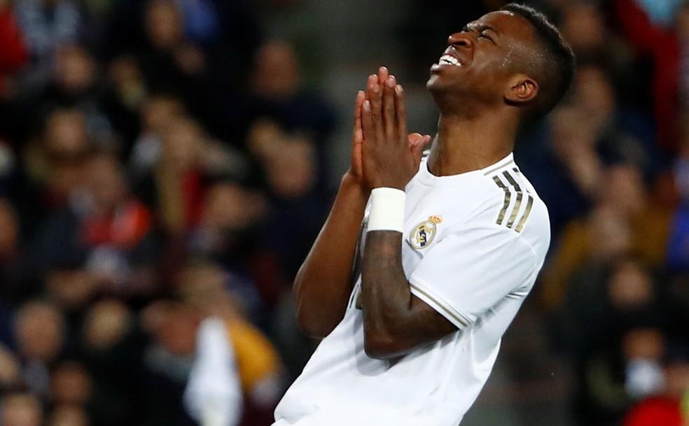 A concorrência aumentou, e Vinicius Junior não tem tido o mesmo rendimento da temporada passada — Foto: Juan Medina/Reuters