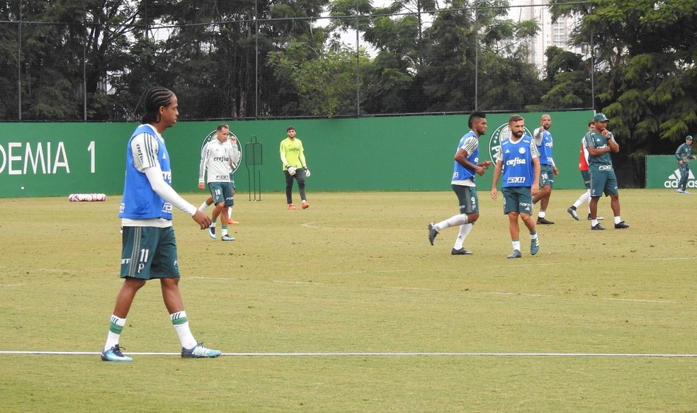 Treino do Palmeiras teve primeiros sinais da escalação de Roger Machado (Foto: Tossiro Neto)