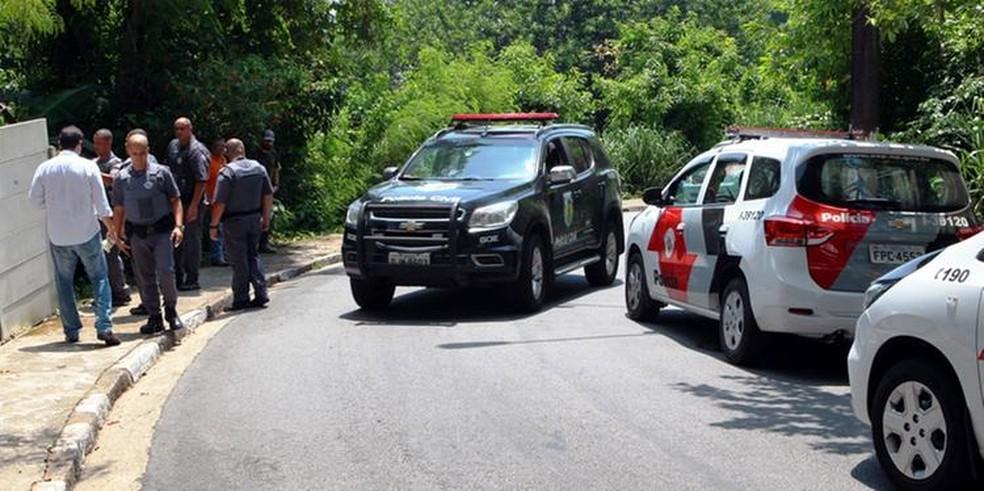 Corpo de delegado é encontrado na Ilha Porchat, em São Vicente, SP — Foto: Alexsander Ferraz/Jornal A Tribuna de Santos