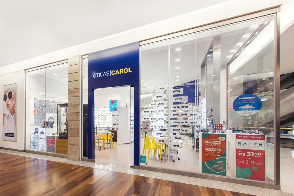 74661d20c706d ... Dona da Ray-Ban compra Óticas Carol em negócio de 110 milhões de euros —