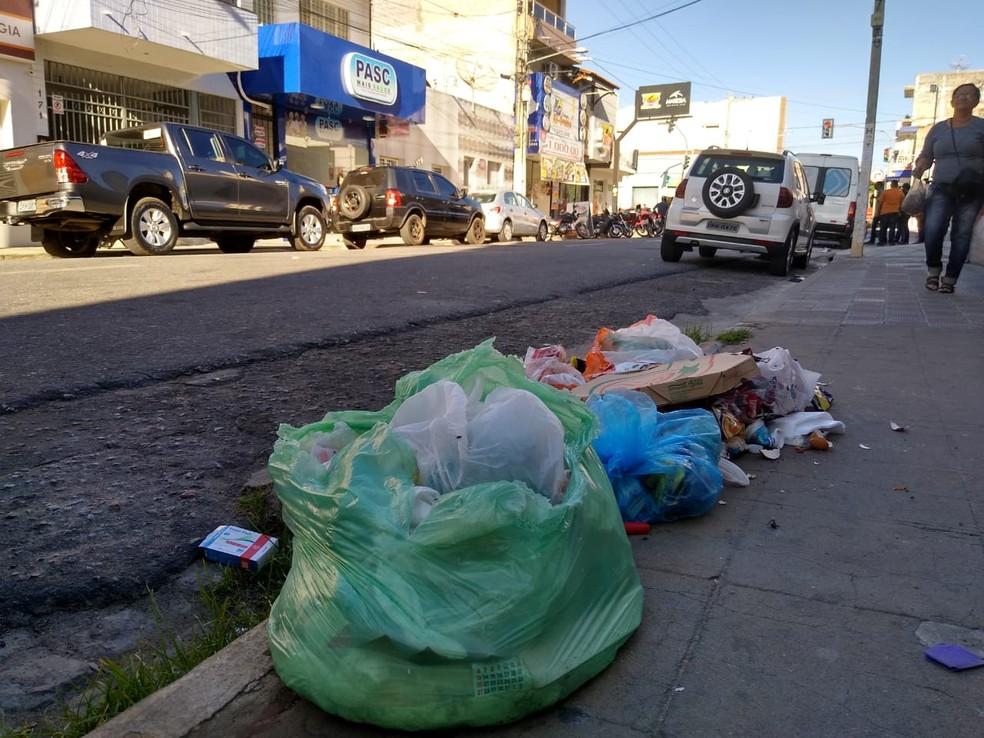 Cidade de Patos, no Sertão da Paraíba, está sem serviço de coleta de lixo desde a sexta-feira (9) — Foto: Epitácio Germano/Arquivo Pessoal