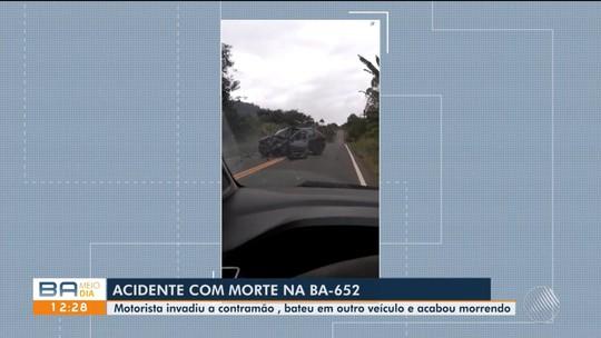 Idoso de 63 anos morre após batida entre carros na Bahia; vídeo mostra acidente