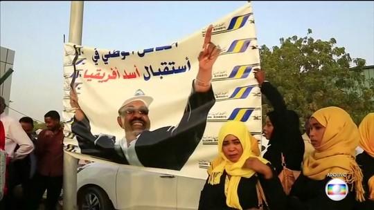 Protestos continuam no Sudão, mesmo com a queda do ditador Omar Al-Bashir