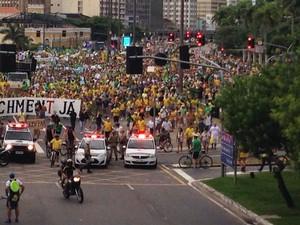 Passeata começou por volta das 16h20 em Florianópolis (Foto: Antonio Neto/RBS TV)