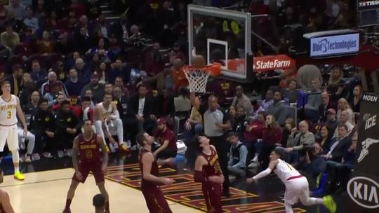 """Noite de NBA tem mergulho de Westbrook na torcida, """"novo Curry"""" imparável e toco da vitória"""