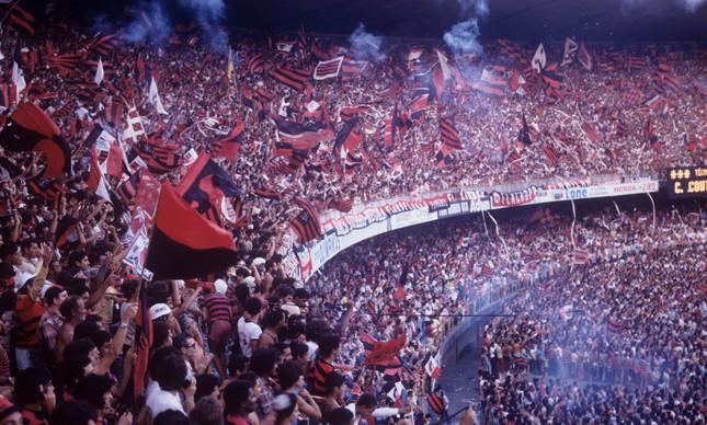 Maracanã lotado durante um Flamengo x Botafogo no Campeonato Estadual de 1979