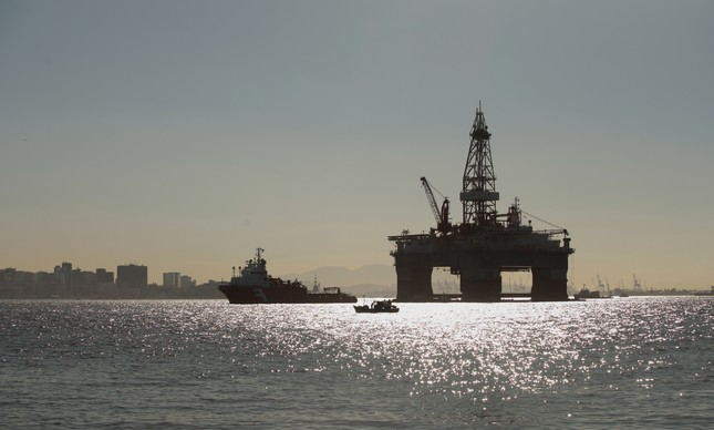 Plataforma de refinaria de petróleo