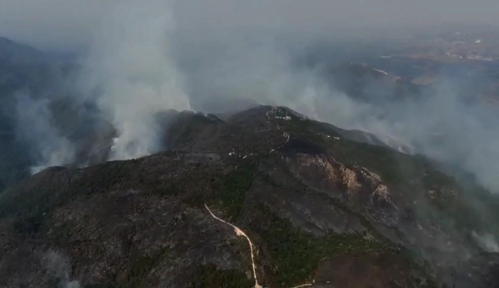 Imagens de drone mostram área destruída por incêndio na Serra do Japi — Foto: Corpo de Bombeiros/Reprodução