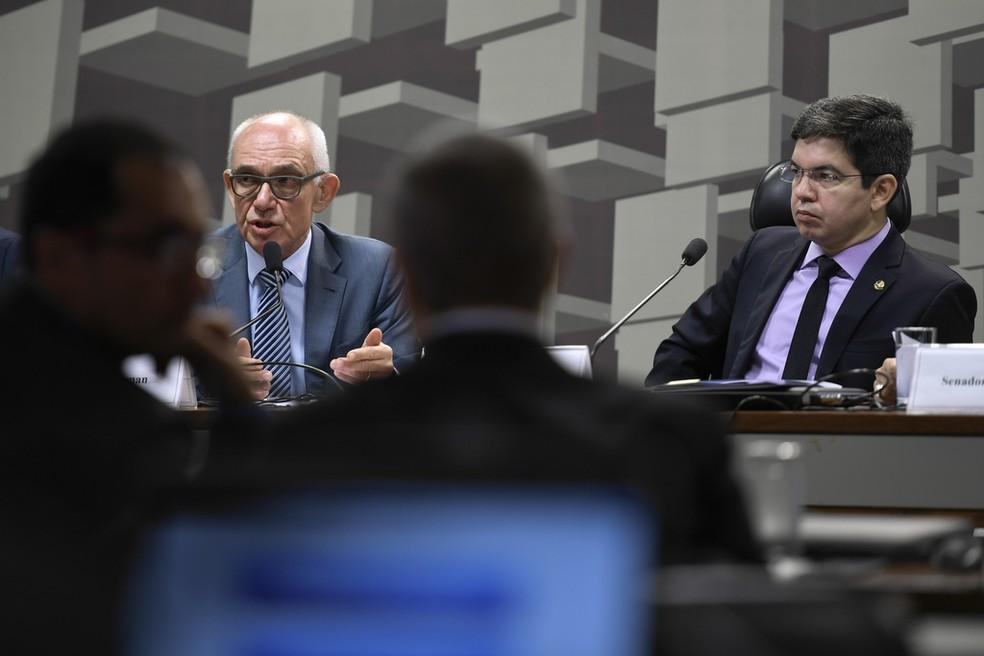 Fábio Schvartsman foi ouvido por senadores em sessão da CPI de Brumadinho — Foto: Edilson Rodrigues/Agência Senado