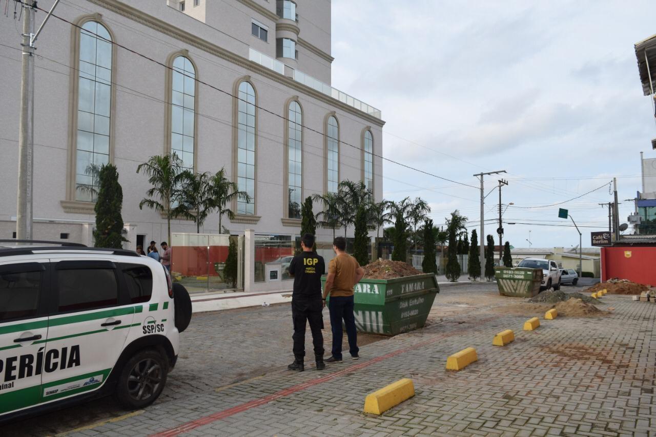 Menina de 7 anos caiu de cerca de 50 metros de altura em fosso de prédio em SC, diz IGP - Notícias - Plantão Diário