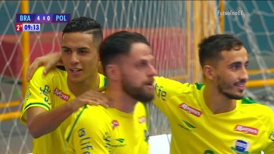 """Douglas comemora gols, mas diz que não é o suficiente: """"Importante é jogar bem"""""""