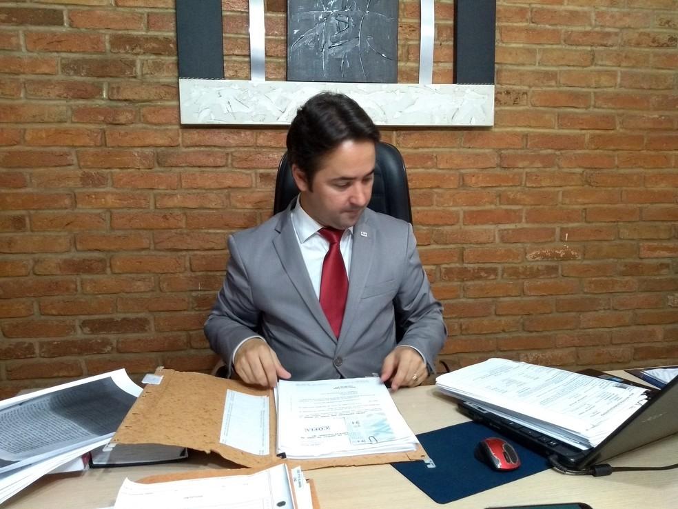 Fábio Gama, advogado do goleiro Bruno (Foto: Régis Melo)