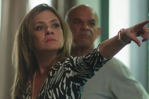 Adriana Esteves é Laureta (Foto: TV Globo)