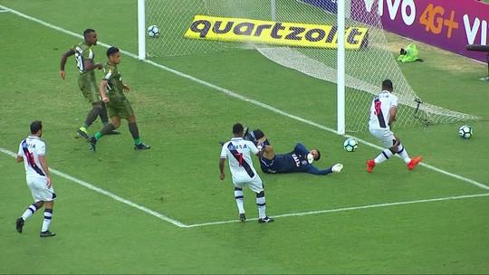 Zé vê semelhanças com empate diante da Chape e cobra produção ofensiva do Vasco