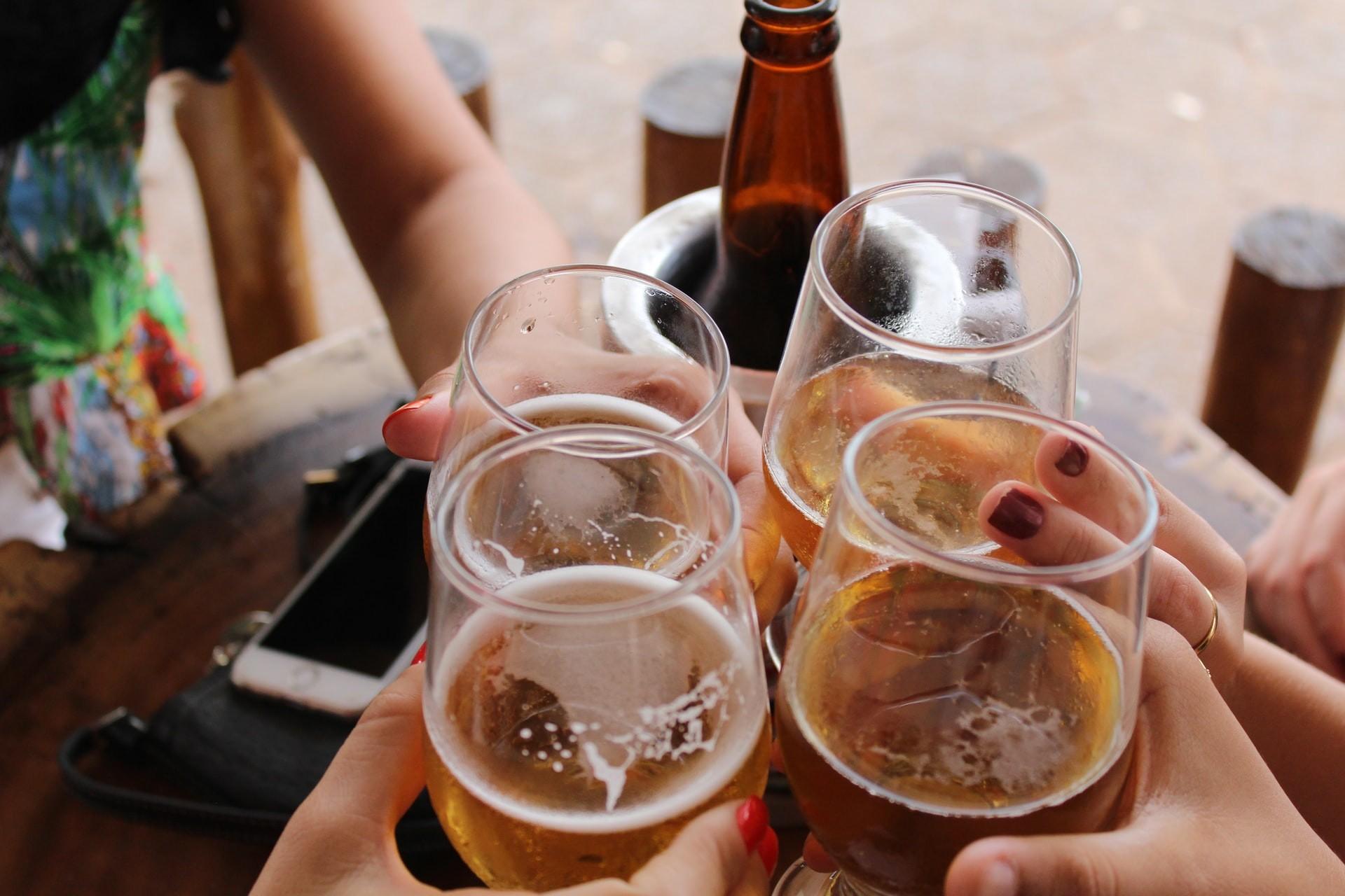 Consumo de bebidas alcoólicas no início da gravidez aumenta risco de aborto espontâneo (Foto: Giovanna Gomes/Unsplash)