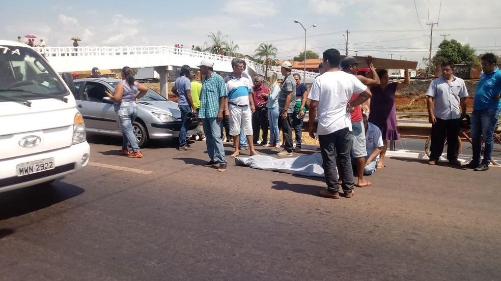 Idosa foi atropelada em faixa de pedestres na BR-153 (Foto: Fábio Dione/Divulgação)