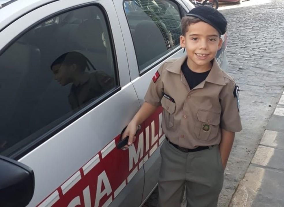 Miguel Dany, de 8 anos, foi salvo pelo pai após se engasgar com pirulito, em Cajazeiras, PB — Foto: Mannix Moura/Arquivo Pessoal