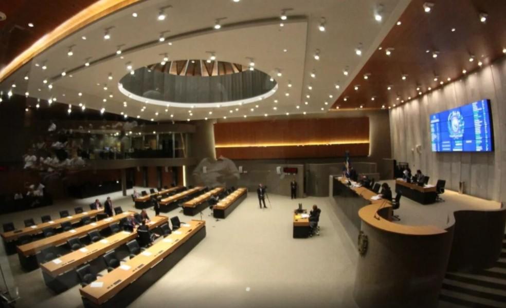 Deputados estaduais aprovaram projeto no plenário da Alepe, no Recife  — Foto: Marlon Costa/Pernambuco Press
