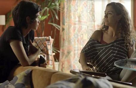 Carol Fazu interpretou Selma, personagem de 'Segundo sol' que se relacionava com Maura (Nanda Costa) Reprodução