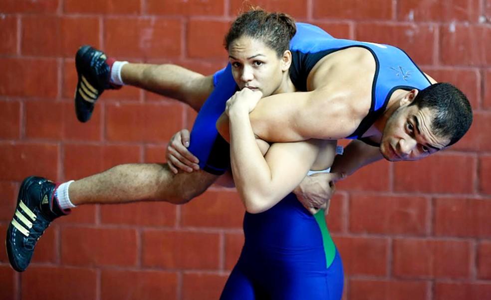Aline Silva  (Foto: infoesporte)