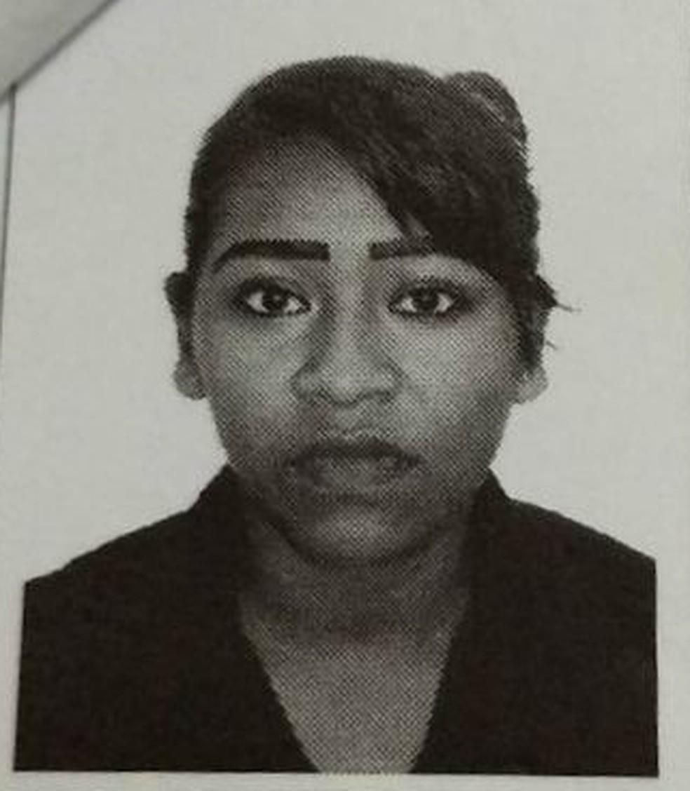 Corpo de Priscila de Oliveira Megias foi encontrado enrolado em uma lona na manhã dessa teraç (1º) (Foto: Arquivo pessoal)
