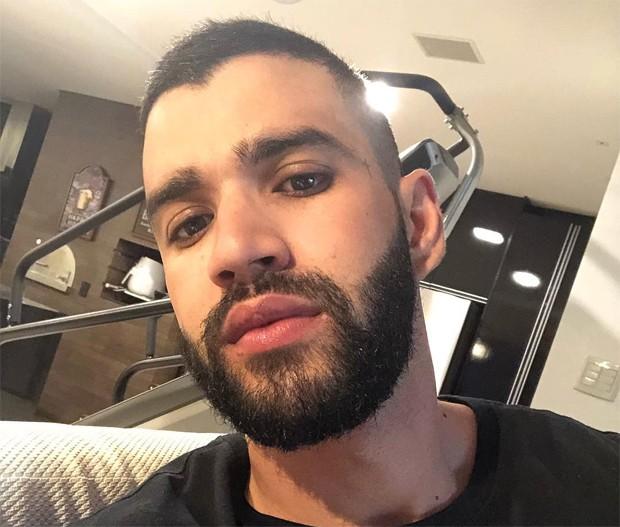 Gusttavo Lima raspa os cabelos (Foto: Reprodução/Instagram)