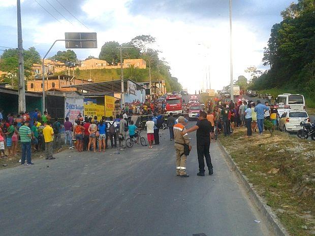 Manaustrans foi acionado para controlar o trânsito na área (Foto: Everaldo Pereira/Arquivo Pessoal)