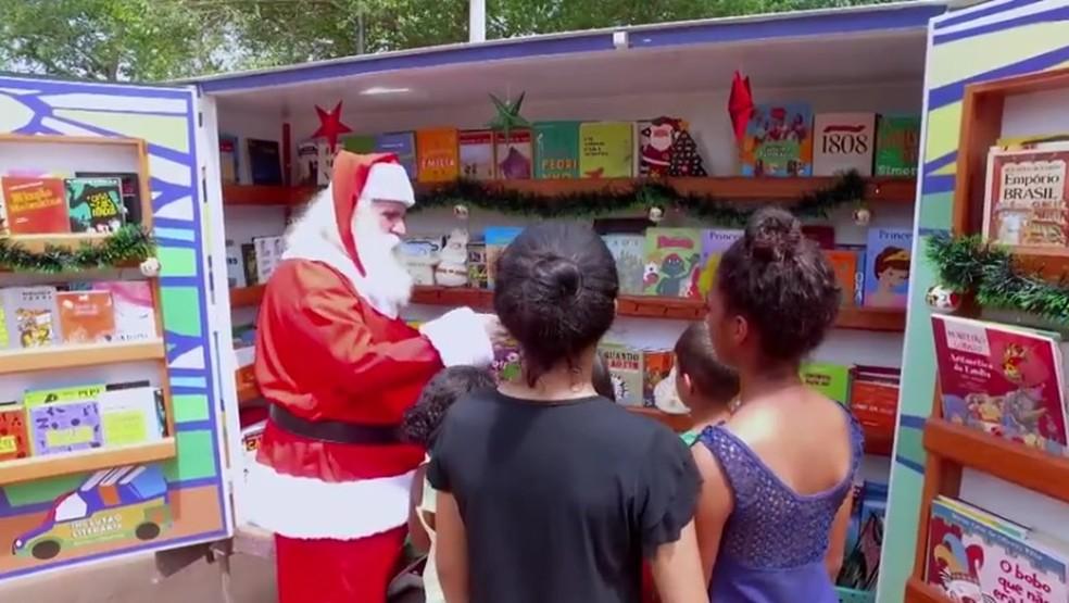 Projeto de inclusão literária é levado por Clóvis Matos a comunidades carentes em MT (Foto: TV Globo/Reprodução)