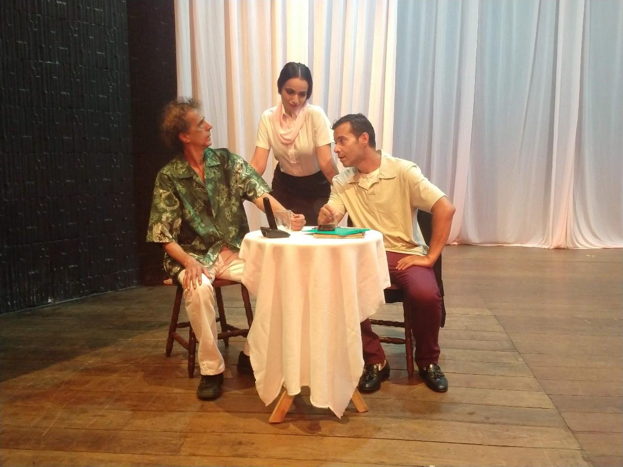 Espetáculo 'Mentira Boa Não é Pecado' é atração no Teatro Nósmesmos em Itu