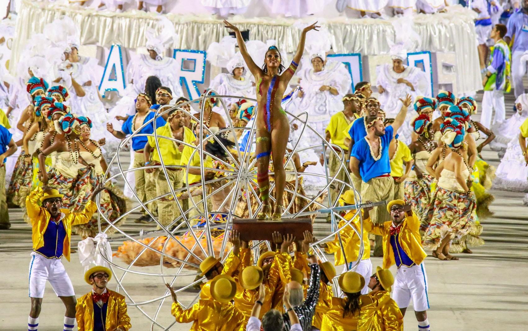 Caprichosos de Pilares volta a desfilar depois de 2 anos fora do Carnaval do Rio
