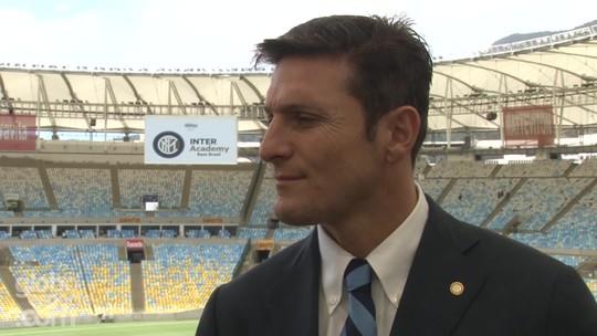 """Em busca de """"fenômenos"""" no Brasil, Zanetti elogia Ronaldo: """"Outro planeta"""""""