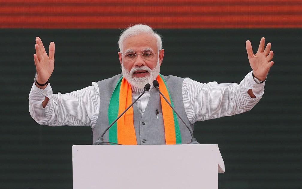 O primeiro-ministro da Índia, Narendra Modi, durante evento do partido Bharatiya Janata (BJP), em Nova Déli, na segunda-feira (8) — Foto: Reuters/Adnan Abidi
