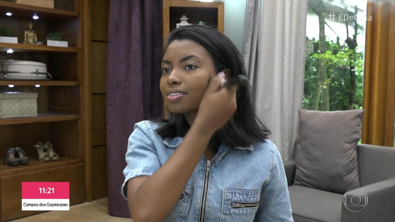 Camila Nunes dá dicas de maquiagem para mulheres negras