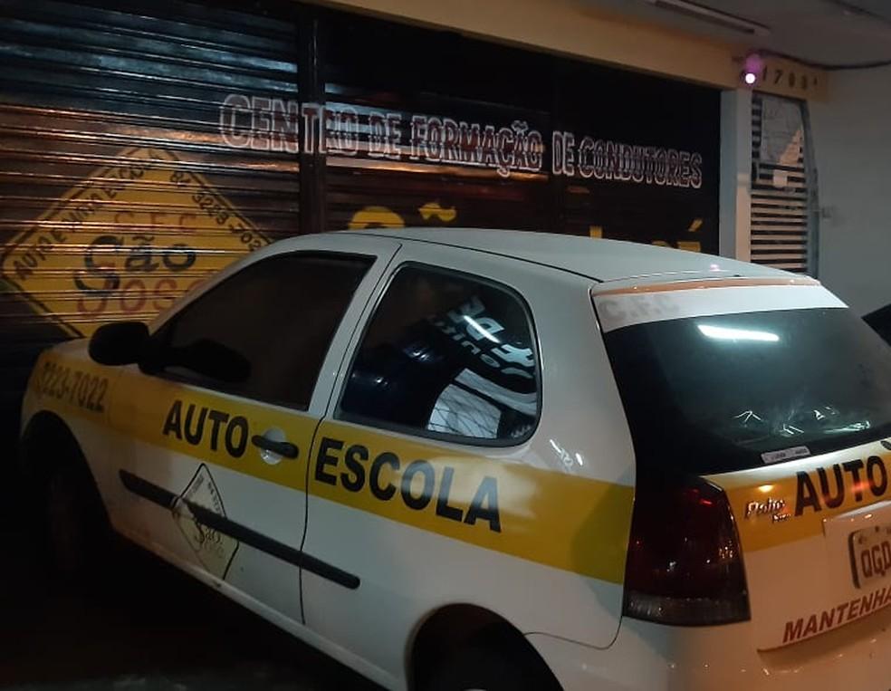 Autoescola na Bernardo Vieira, em Natal — Foto: Sérgio Henrique Santos/Inter TV Cabugi