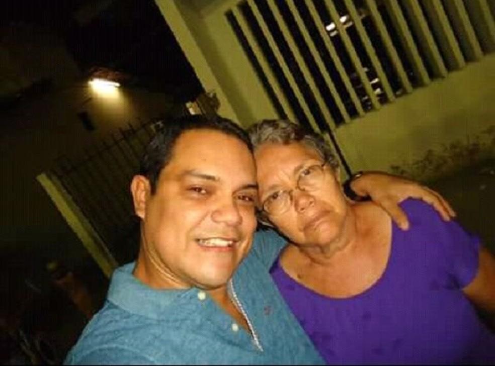 Mãe e filho são achados mortos com marcas de tiro na periferia de Fortaleza (Foto: Arquivo pessoal)