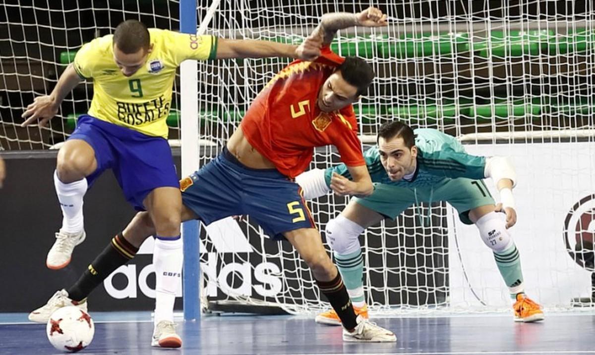 644b556b01513 Espanha abre vantagem