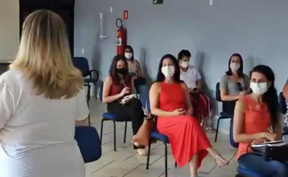 'Pacientes não conseguem tomar banho, limpar casa, trocar de roupa', diz fisioterapeuta sobre sequelas da Covid-19